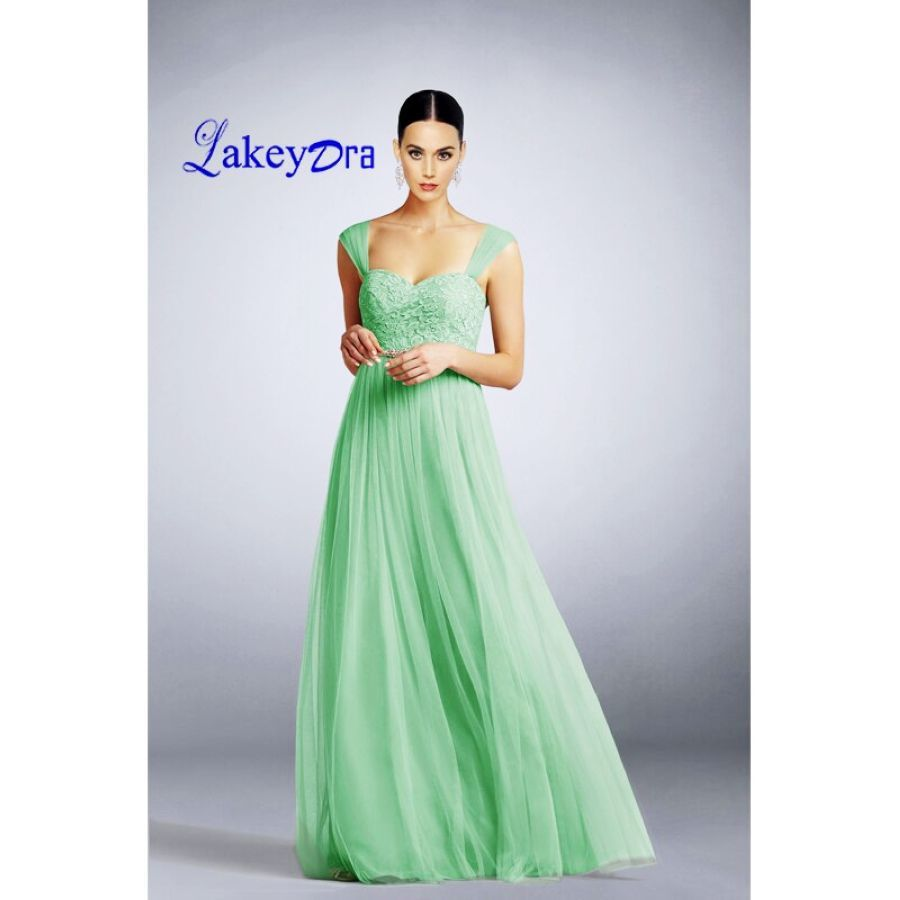 Lakeydra A-Line Bridesmaid Dresses Sweetheart Neck Tulle Sleeveless With Lace
