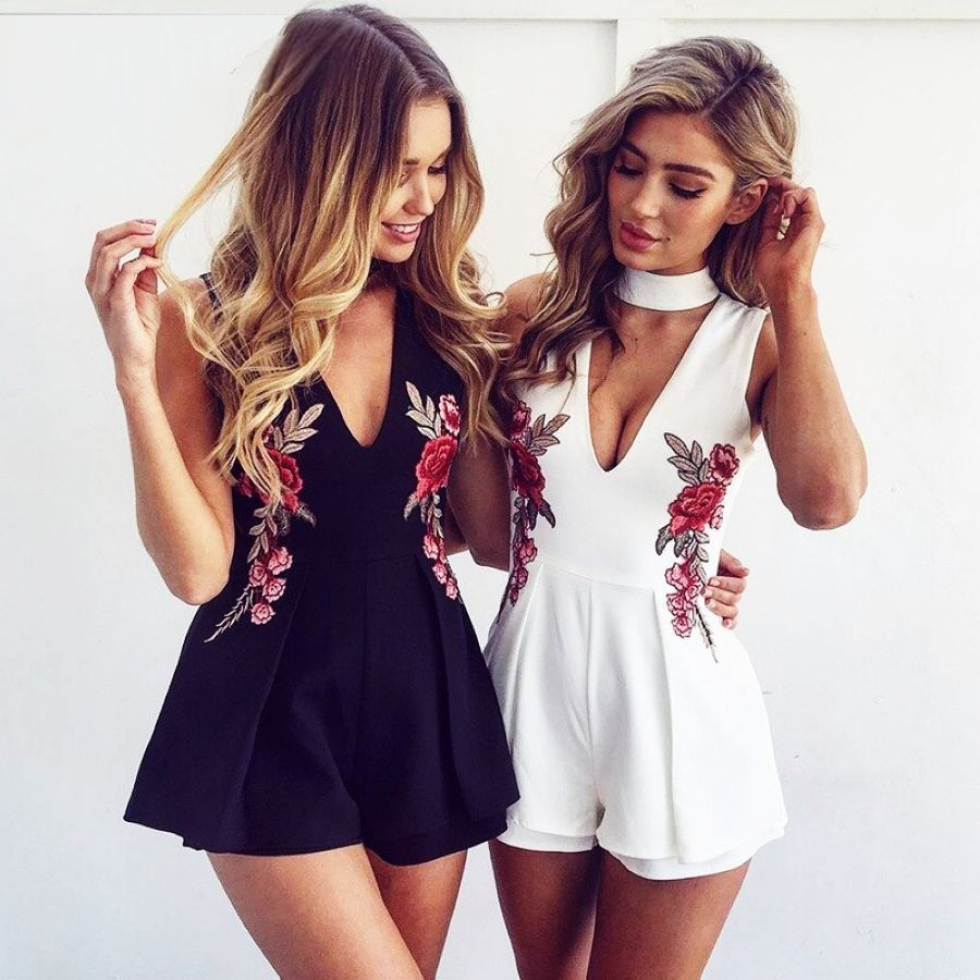 2019 New European And American Rose Embroidery V-Neck Hanging Neck